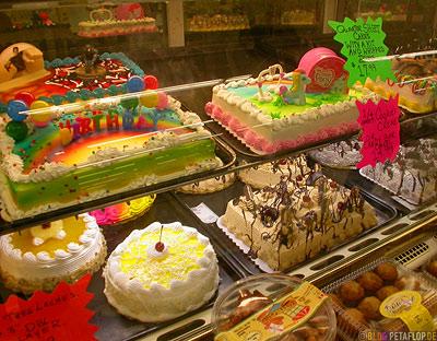 Happy-birthday-My-Little-Pony-confectionery-Bakery-Cakes-Kuchen-Geburtstagstorte-counter-Theke-Baecker-Konditorei-Konditor-Kuehltheke-Oklahoma-City-OK-USA-DSCN7392.jpg