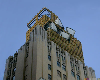Old-high-rise-building-with-transmitting-antennae-Altes-Hochhaus-mit-Sendeantennen-Oklahoma-City-OK-USA-DSCN7474.jpg