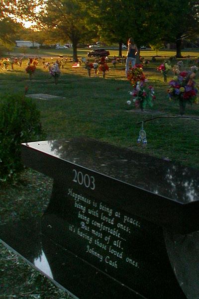 back-rueckseite-backside-John-R-Johnny-Cash-Carter-grave-Grab-graveyard-woodlawn-cemetary-Hendersonville-Nashville-Tennessee-TN-USA-DSCN8089.jpg