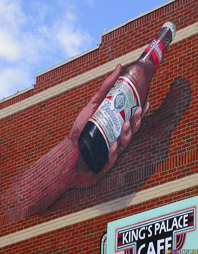 Budweiser-Beer-Advertising-Hand-Bricks-Werbung-Beale-Street-Memphis-Tennessee-TN-USA-DSCN7903.jpg