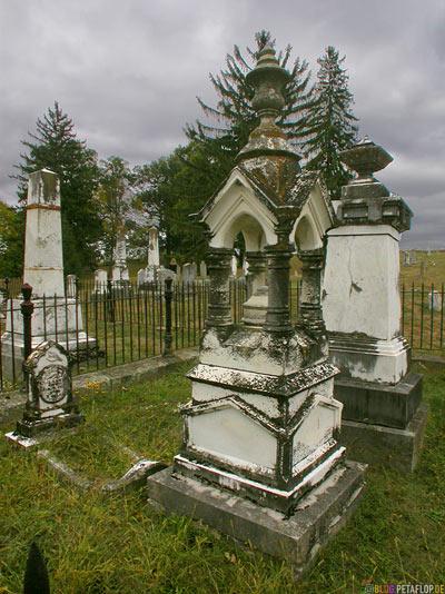 Cemetary-Friedhof-near-Roanoke-Virginia-VA-USA-DSCN8201.jpg
