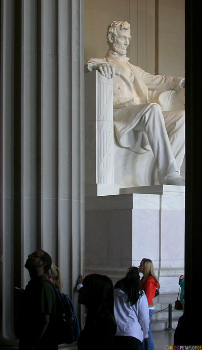 columns-Saeulen-Abraham-Lincoln-Memorial-sculpture-by-Daniel-Chester-French-National-Mall-Washington-DC-USA-DSCN8330.jpg