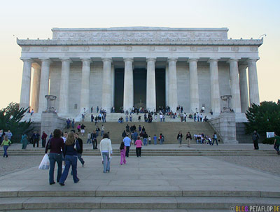 columns-Saeulen-stairs-Treppen-Abraham-Lincoln-Memorial-National-Mall-Washington-DC-USA-DSCN8316.jpg