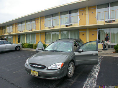 Ford-Taurus-SEL-Royal-Inn-Motel-yellow-Manchester-Tennessee-TN-USA-DSCN8007.jpg