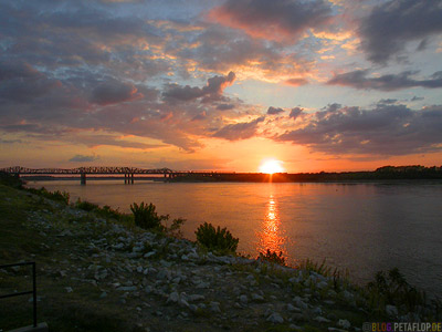 Harahan-Bridge-Sunset-Sonnenuntergang-Mississippi-Bridge-Memphis-Tennessee-TN-USA-DSCN7884.jpg