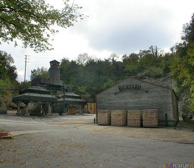 Jack-Daniels-Whiskey-Distillery-Visitor-Center-Lynchburg-Tennessee-TN-USA-DSCN8009.jpg