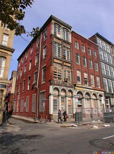 old-building-Bank-Street-Philadelphia-Pennsylvania-USA-DSCN8435.jpg