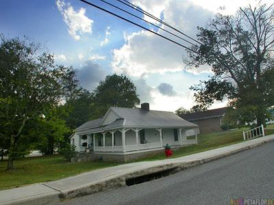 old-downtown-part-Lynchburg-Tennessee-TN-USA-DSCN8057.jpg