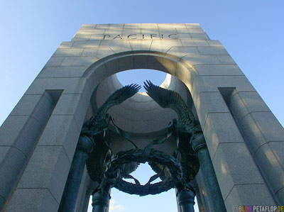 Pacific-tower-WWII-Memorial-National-Mall-Washington-DC-USA-DSCN8309.jpg