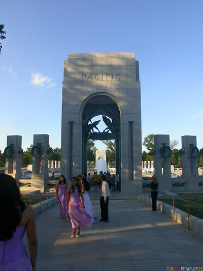 Pacific-tower-WWII-Memorial-National-Mall-Washington-DC-USA-DSCN8312.jpg