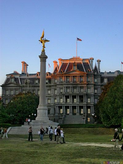 Sailors-WWI-AEF-Monument-golden-statue-National-Mall-Washington-DC-USA-DSCN8343.jpg