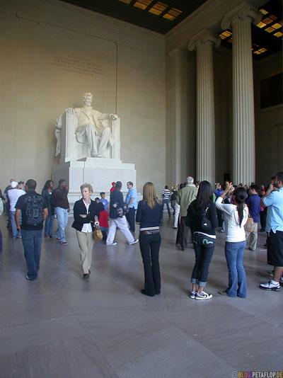 sculpture-by-Daniel-Chester-French-columns-Saeulen-Abraham-Lincoln-Memorial-National-Mall-Washington-DC-USA-DSCN8325.jpg