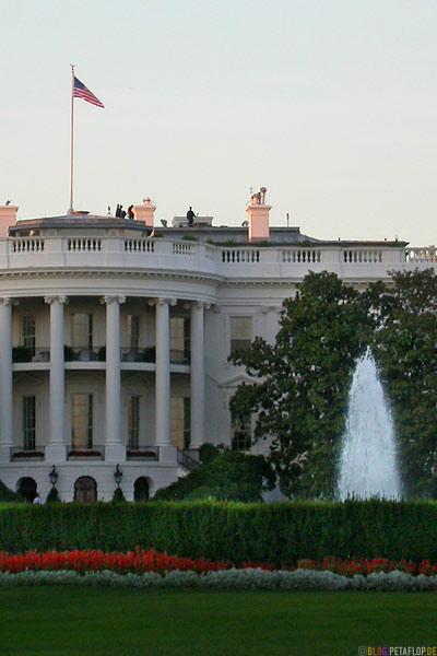terrorists-on-the-roof-of-the-white-house-terroristen-auf-dem-dach-des-weissen-hauses-National-Mall-Washington-DC-USA-DSCN8348.jpg