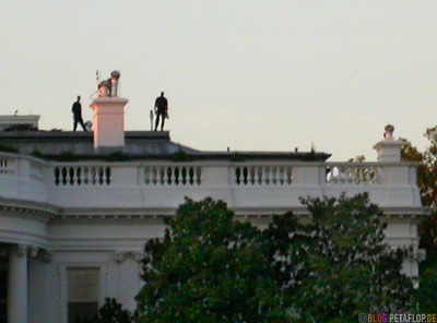 terrorists-on-the-roof-of-the-white-house-terroristen-auf-dem-dach-des-weissen-hauses-National-Mall-Washington-DC-USA-DSCN8354.jpg