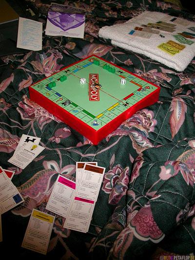 Travel-Reise-Monopoly-mini-Motel-bed-Bett-Washington-DC-USA-DSCN8360.jpg