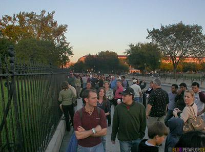 visitors-besucher-tourists-touristen-fence-zaun-white-house-weisses-haus-National-Mall-Washington-DC-USA-DSCN8350.jpg
