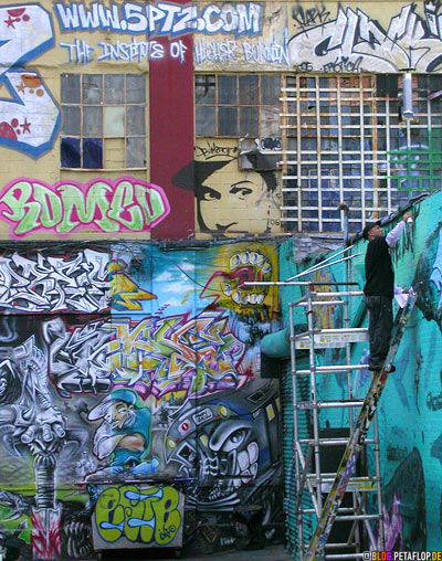 5ptz-Sprayer-Writer-writing-Graffiti-Five-Points-5Pointz-warehouse-Lagerhalle-Brooklyn-New-York-City-USA-DSCN8725.jpg