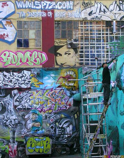graffiti. Black Bedroom Furniture Sets. Home Design Ideas