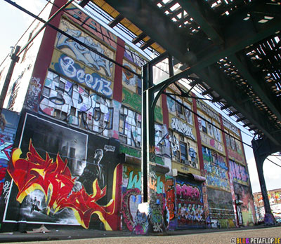 backside-Graffiti-Five-Points-5Pointz-warehouse-Lagerhalle-Brooklyn-New-York-City-USA-DSCN8732.jpg