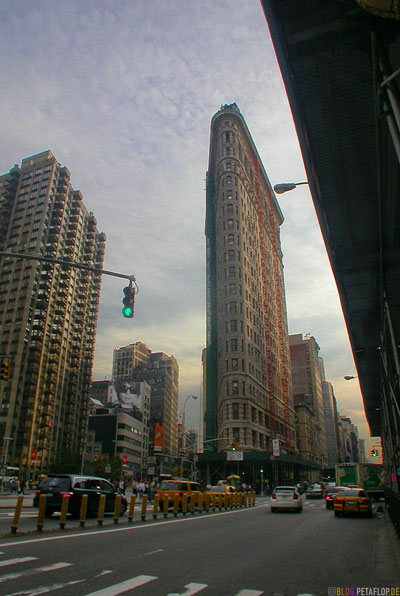 Flatiron-Building-Downtown-Manhattan-NYC-New-York-City-USA-DSCN8539.jpg