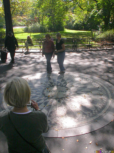 Imagine-Mosaic-Mosaik-Strawberry-Fields-Garden-of-Yoko-Ono-John-Lennon-Central-Park-New-York-City-USA-DSCN8713.jpg