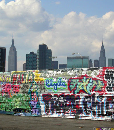 New-York-City-Skyline-Empire-State-Building-Chrysler-backside-Graffiti-Five-Points-5Pointz-warehouse-Lagerhalle-Brooklyn-USA-DSCN8734.jpg