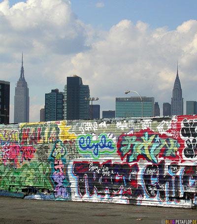 New-York-City-Skyline-Empire-State-Building-Chrysler-backside-Graffiti-Five-Points-5Pointz-warehouse-Lagerhalle-Brooklyn-USA-DSCN8734.jpg