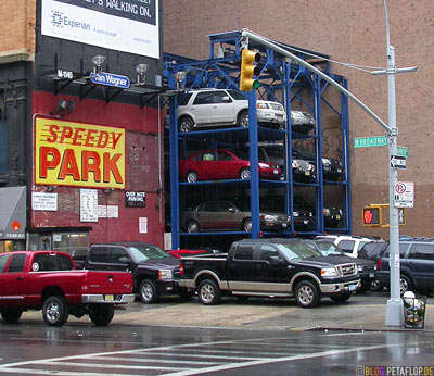 Speedy-Park-Overnite-Parking-Lift-Escalator-Aufzug-Broadway-Warren-Street-NYC-Manhattan-New-York-City-USA-DSCN8588.jpg