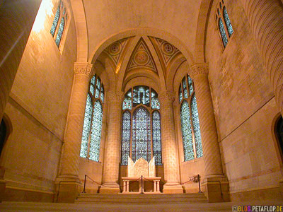 The-norman-Chapel-of-Saint-Columba-Tryptich-by-Keith-Haring-Church-St-John-NYC-New-York-City-USA-DSCN8572.jpg
