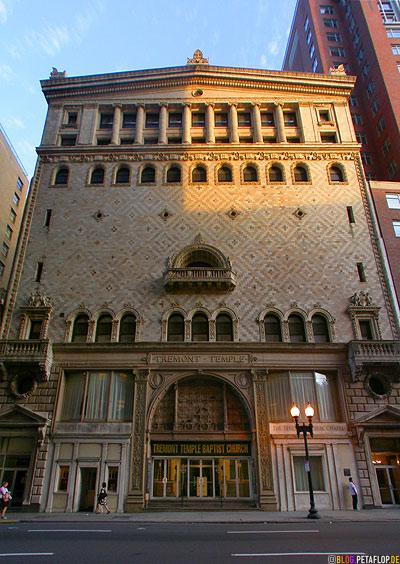 entrance-Tremont-Theatre-Temple-Babtist-Chruch-1896-Greek-Revival-style-playhouse-1827-Boston-Massachusetts-MA-USA-DSCN8903.jpg