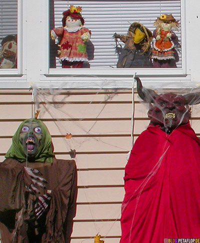 Halloween-Ghost-Devil-Puppets-Canton-MA-Massachusetts-USA-DSCN8863.jpg