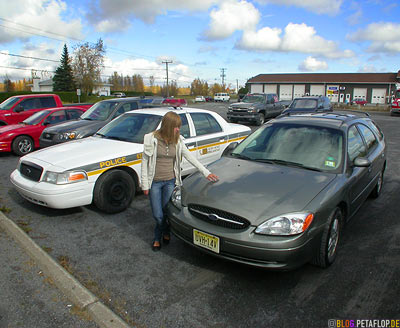 Canadian-Police-Car-saying-good-bye-to-our-Ford-Taurus-Station-Wagon-Kombi-Montreal-Quebec-Canada-DSCN8951.jpg
