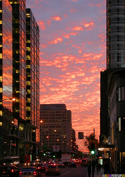 sunset-afterglow-red-clouds-Downtown-Montreal-Abendrot-rote-Wolken-Sonnenuntergang-Quebec-Canada-DSCN8959.jpg