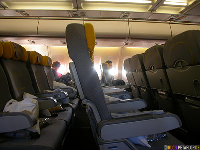Lufthansa-Flight-Flug-Montreal-Munich-Muenchen-empty-seats-leere-Sitze-DSCN8977.jpg