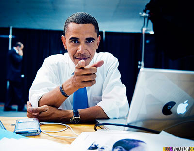 Barrack Obama photo-by-Peter-Yang-Pacman-Apple-Laptop-MacBook-Pro