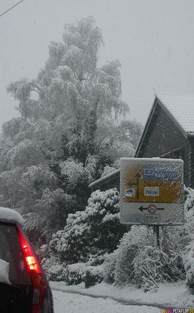 Verkehrsschild Mettmann Polizei Düsseldorf Schnee snow Stau